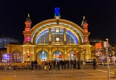 Frankfurt am Main - Luminale 2016, Hauptbahnhof (CocoChantre) Tags: bahnhof bahnverkehr deutschland europa frankfurtammain hauptbahnhof hessen lichtinstallation luminale nachtaufnahme verkehr welt de