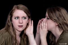 Quoi? (AngelsPixel) Tags: jumeaux jumelles portraits mains yeux bouche tete cheveux lèvres attitude belle sexy regards sourire beauté dialogue regard echange smile beauty look twin hand eye mouth lips head hair beautifull bearing