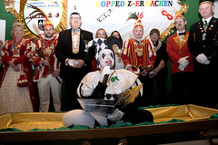 Hoppediz-Erwachen (Kurt Gritzan) Tags: karneval karneval20162017 hoppediz gelsenkirchen kinderkarnevalgelsenkirchen kinderkarnevalssitzung people kostüme tanzmariechen deutschland kurtgritzan nrw germany nikon kultur 2017 fest festkommiteegelsenkirchenerkarneval gelsenkirchenerkarneval festkommitee carnival nordrheinwestfalen leute rosenmontagsumzug homoj personnes pessoas strassenkarneval bismarckerfunken kggelsenkirchenernarrenzunft kggelsenkirchenernarrenzunft1976ev karnevalsgesellschaftpiccolo1951ev