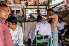 (Jpierrel) Tags: india inde calcutta kolkata strandbankroad barbershop fuji fujifilm xt1 1655