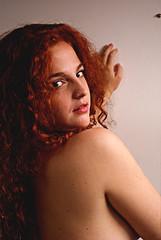 Julieta (sofiia romero) Tags: pelirroja buenosaires sonyalpha sony curvas hermosa mujer woman digital girl beatifull argentina luces windows