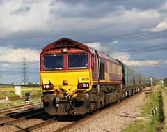 66230 Drax to  Immingham at Sudforth Lane crossing (Barrytaxi) Tags: class66 drax northyorkshire sudforthlanecrossing biomass