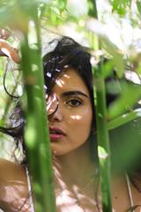 SVanina-114 (Frank PAT MO) Tags: amiga barcelona bcn chica retrato vanina verde