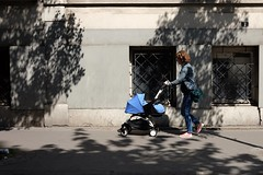 Blue pram 74-2017 ( serie walkers ) (Kairos !) Tags: walker walkers walk walking blue urban city street streetwalk streetview streetphotography streetphotographer fujifilm fujixt10 shadow