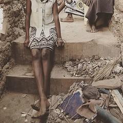 Foots in slum's street @diego_stellino #foot #streetlife #streetstyle #streetphotography #streetphoto #slum #slumlife #slumchild #girls #girl #poor #favelas #diegostellino #photography #urban #urbanstyle #urbanjungle #urbandecay #poveri #poverty #povertà (Diego Stellino Photography) Tags: instagramapp square squareformat iphoneography uploaded:by=instagram reyes
