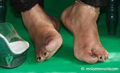 Mrs Lynn-286 (Mrs Lynn) Tags: black sexy toes highheel pumps bbw clear heels wrinkles soles ebony platforms opentoepumps mrslynn softsoles wrinklesoles clearplatforms plumptoes
