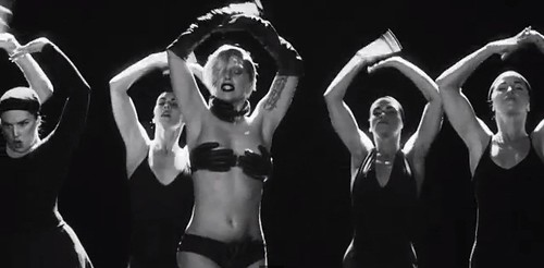 ladygaga-applause-5