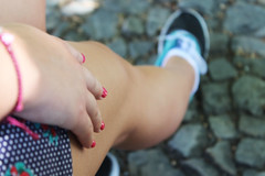 Untitled (Tiago Fbrica) Tags: life red hot love canon photography photo amazing hand awesome leg nails shorts