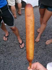 #511 My very first corndog (Like_the_Grand_Canyon) Tags: travel vacation food usa dog hot america us corn essen holidays sausage fast maryland baltimore september stick amerika bmore 2013