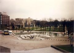 Parc de Bercy (sftrajan) Tags: park paris france 1996 bercy francia parís redevelopment 12tharrondissement parcdebercy париж
