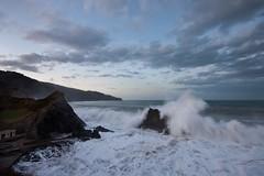 Aritzatxu (Igorza76) Tags: sea beach rock mar country wave playa olas bizkaia basque euskadi roca temporal ola pea harri bermeo hondartza itsasoa itsaso arroka haitz urdaibai olatuak olatu bermio olatua harkaitz aritzatxu tenporala denborale