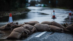 Chertsey Bridge Road. (Stefan the Cameraman) Tags: england water thames unitedkingdom surrey riverthames middlesex chertsey shepperton chertseybridge ukfloods floods2014