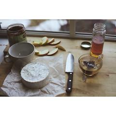 Afternoon tea (Keren Fedida) Tags: light apple window cheese afternoon tea knife honey teatime cuttingboard pearbutter