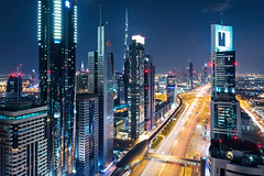 Dubai alive and kicking ! (Frans.Sellies) Tags: night dubai uae clear emirates unitedarabemir