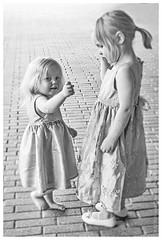 Mun isosisko (JP Korpi-Vartiainen) Tags: finland feast ihminen ihmiset juhla juhlat juhlia men party people perhejuhla together yhdessä tyttö girl lapsi child tytöt girls kaksi two 2 sister sisko sisters sisarukset pieni small pikkusisko little