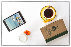 Coffee Time (dshoning) Tags: 52weeksof2017 coffe cup saucer book treasureisland starbucks papercup ipad flowers daisies tabletop