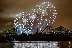 C58R3442 (Nick Kozub) Tags: big bang fireworks canada loto quebec international competition 2016 canon eos 1dx ef 85 f12 ii l usm explosive projectile burst water jackson pollock nocturnal night reflection festival la ronde summer the wild west