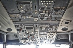 United Airlines 737 N12238 overhead panel at SFO. 2017. (planepics43) Tags: unitedairlines unitedexpress 737 n12238 maintenance sfo sfoov sanfranciscoairport airport airshow landing lufthansa weather winglet 320 380 engine 319 claytoneddy california cockpit 787 777 747 757 727 767