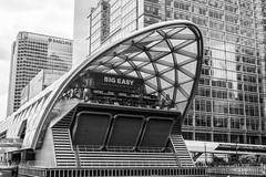 Crossrail place (Rob A Dickinson) Tags: nikon d7100 sigma2470f28 london blackandwhite monochrome building architecture westindiaquay crossrailplace tube station shoppingcentre underground