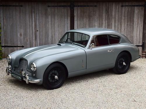 Aston Martin DB2/4 (1955).