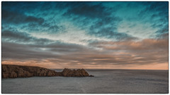 Cornwall - Sunset seascape (Vijay Mani) Tags: cornwall seascapes photography sunset colours clouds ocean cliff waters waterscape