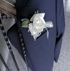 Tied one on... (@prison nurse) Tags: millvalley 2017 kansas april juniorprom promenade myson slowdowntime imperfect35 polo ralphlauren boutineer younglove mvhs firstsuit