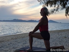 Yoga sun salutations at Kradan (12) (Eric Lon) Tags: kradanyogaavril2017 yoga sunrise salutations asanas poses postures beach plage mer thailand kradan island ile stretching flexibility etirement souplesse body corps fitness forme health sante ericlon