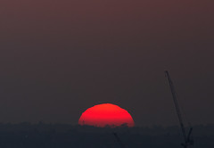 Grainy Crane (ArtGordon1) Tags: sunset evening april 2017 walthamstow london england uk davegordon davidgordon daveartgordon davidagordon daveagordon artgordon1 sky