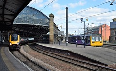 DMU and railbus, Newcastle Central (colin9007) Tags: newcastle upon tyne central station