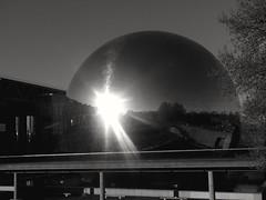 Coucher de soleil sur le monde... Sunset on the world... (alainpere407) Tags: alainpere lagéode lavillette parisinsolite paris parisnoiretblanc candidpictureinparis coucherdesoleil sunset