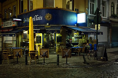Rue Blaes Street / Bruxelles 2017 (zilverbat.) Tags: belgie bruxelles brussel nightphotography nightshot nightlights cafe bar image innercity travel town tourist tripadvisor tour tourism timelife zilverbat belgium buildings urbanvibes urbanlife urban citylife cinematic city canon centrum avond avondfotografie europe europa exposure vossenplein blaesstraat
