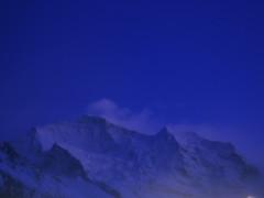 ... ... ...blue/bleu... (project:2501) Tags: wengen jungfrauregion suisse switzerland snow ski travel view aroomwithaview balcony theviewfromhere evening dusk sunset twilight nightlight nighttime night clouds lightcloud skylight sky skyblue snowblue bluelight blue bluebleu bleu inthemountains mountains mountain rock jungfrau4158m silberhorn3695m
