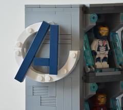 Labo stark 04 (John_Toulouse) Tags: moc mod lego johntoulouse super heroes sh ironman iron man avengers stark labo armor