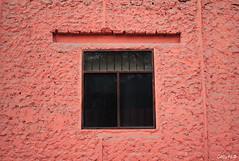 Esa ventana (Gaby Fil Φ) Tags: ventanas texturas distritodebarrancolima distritodebarranco barranco barranquino lima perú sudamérica rosa
