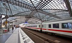 Top level, Berlin Hauptbahnhof (iharsten) Tags: berlin april 2017 easter berlinhauptbahnhof hauptbahnhof