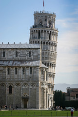 Pisa: Showing the extent of the lean (Photos By Clark) Tags: 2801350mm canon20d canon28135 europe italy locale location places where pisa toscana tower lightroom