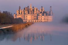 Chambord (Philippe POUVREAU) Tags: chateau loiretcher france brume fog chambord castle château loire 2017 printemps spring blois