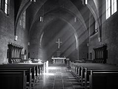 Abdij van Egmond (Paul Beentjes) Tags: nederland netherlands egmond egmondbinnen abdij abbey kerk church jacobsladder zonnestralen sunrays sunbeams inspiratie inspiration rust tranquility