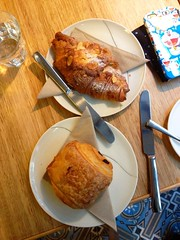 Almond croissant / Chocolate croissant by Mosiac. (eMeow33) Tags: chocolate almond croissant mosiac chocolatecroissant almondcroissant uploaded:by=flickrmobile flickriosapp:filter=nofilter