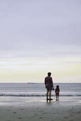 padre e hija (FX Carrera) Tags: family sunset beach girl familia canon atardecer eos 50mm father daughter happiness playa fran nia 7d bella feliz nena padre chiquita hija chils ragazzina padreehija canoneos7d