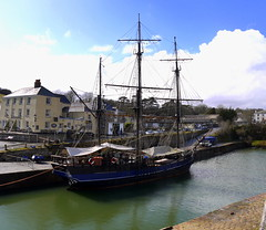 Earl of Pembroke (Worthing Wanderer) Tags: sunshine coast seaside spring cornwall path beaches april charlestown southwestcoastpath