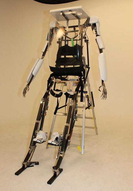 史上第一款零售的搭乘型『動力外骨骼 Power Jacket MK3』