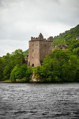 urquart castle. (*Sabine*) Tags: castle architecture scotland ruins europa europe ruine architektur lochness burg schottland urquartcastle strone vereinigtesknigreich