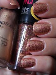 Garota da Capa - Avon + Golden Spell - Hits (Natalia Breda) Tags: glitter dourado hits avon desafio esmaltenacional
