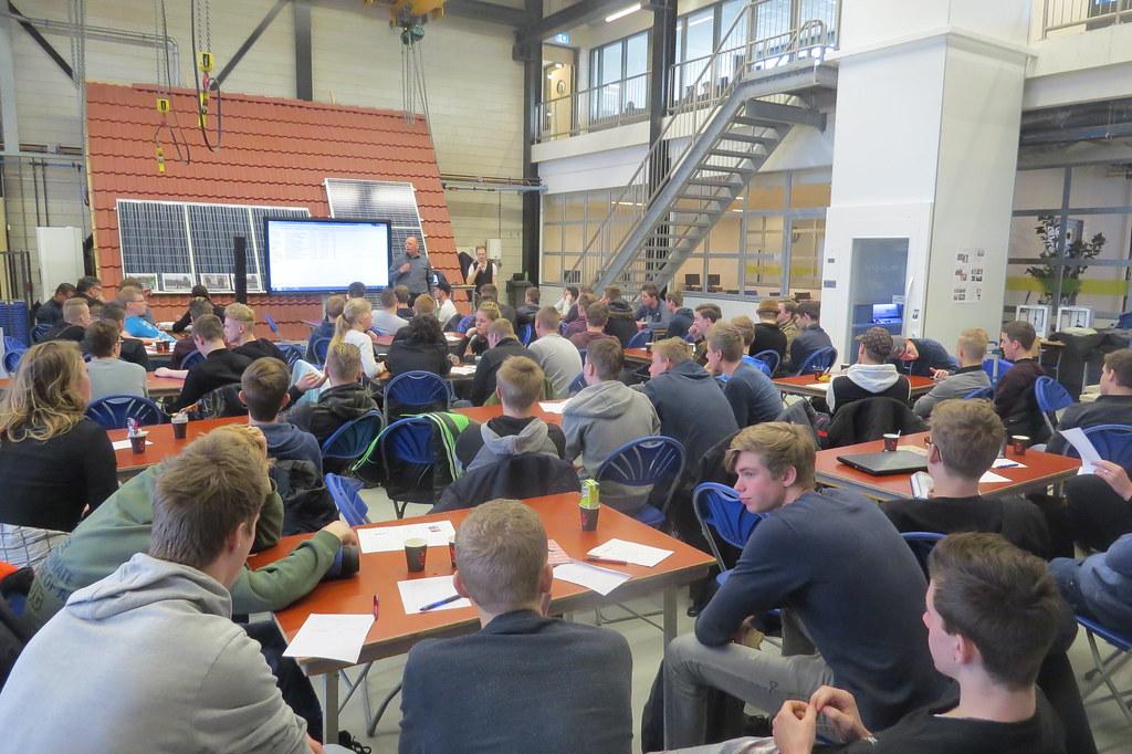 pitch led armaturen door studenten middenkader engineering roc friese poort drachten roc friese poort