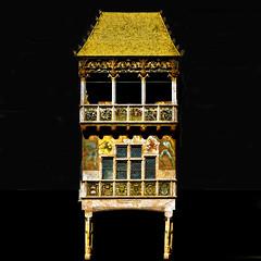 Gold / Oro (Giorgio Ghezzi) Tags: tettucciodoro goldenesdachl goldenroof erker neuerhof giorgioghezzi baywindow