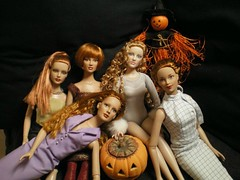 Rousses ! (garance_cassandre) Tags: rousses halloween tonnerdoll