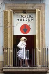 erotic (art crimes) Tags: marilynmonroe lookalike balcony lasramblas barcelona erotic museum eroticmuseum espana spain city streets