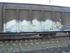 fur moery (en-ri) Tags: silver madchen kleines duo bianco train torino graffiti writing treno merci freight azzurro lilla
