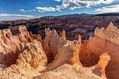 Bryce Canyon Hoodoos in the sunlight (PIERRE LECLERC PHOTO) Tags: brycecanyon brycecanyonnationalpark utah canyon southwest americansouthwest southwestusa desert hoodoos sunlight roadtrip adventure america usa travel pierreleclercphotography landscape nature outdoors canon5dsr